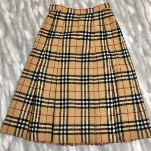 Burberry Vintage | Wool Plaid Knee Length Skirt